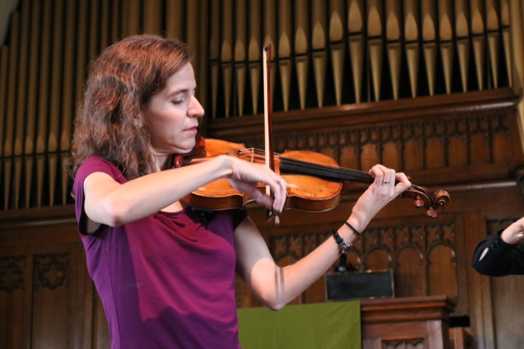 "<a href=""https://www.timetap.com/appts/dBw1UGZjkC6"">Violin & Viola Lessons</a>"